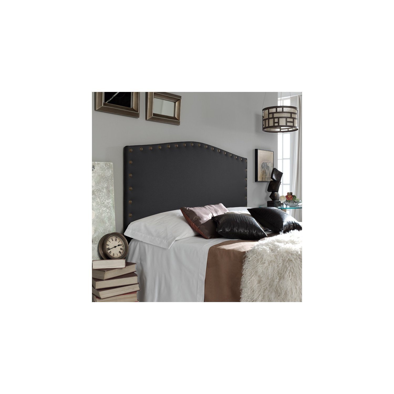 t te de lit design tapiss e en cuir synth tique avec rivets. Black Bedroom Furniture Sets. Home Design Ideas